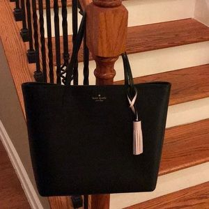 ♠️ Kate Spade leather tassel tote ♠️